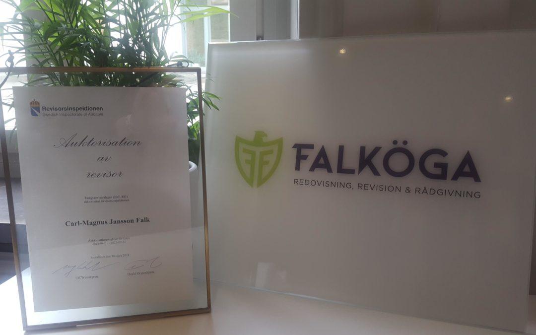 Nu har Carl-Magnus Falk blivit auktoriserad revisor
